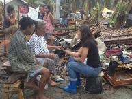 Sobrevivientes del tifón Haiyán en la provincia de Samar, Filipinas, 2013.