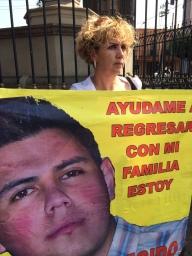 Madre de desaparecido en el estado de Morelos, México, 2014.