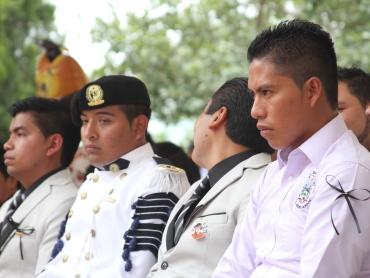 Primera generación de maestros que egresó de Ayotzinapa después de los ataques en Iguala. Guerrero, 2015.