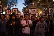Marcha hacia la Basílica de Guadalupe, a 15 meses de Ayotzinapa. Foto: Miguel Tovar