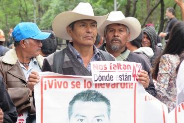 Bernardo Campos, padre de José Ángel Campos Cantor, normalista desaparecido. Ciudad de México, abril de 2016.