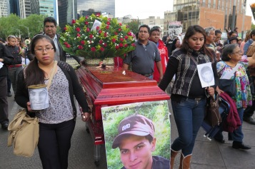 Funeral simbólico del normalista Julio César Mondragón Fontes, asesinado en Iguala. México, 26 de enero de 2016.