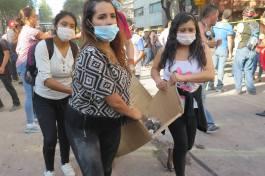 Ayudar. Voluntarios en las primeras horas después del terremoto del 19 de septiembre. Ciudad de México.