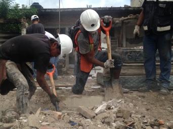 Héctor Rodarte Cedillo, voluntario después del terremoto en Jojutla, Morelos, México.