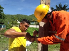 Inmigrantes centroamericano ayudan después del terremoto en Jojutla, Morelos, México.